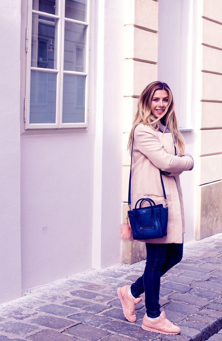 Wien_Fashion_Blogger_Luisa_Lion_blaue_Celine_Nano_Tasche