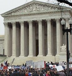 Controversial Issues Fill US Supreme Court Docket - ProCon.org