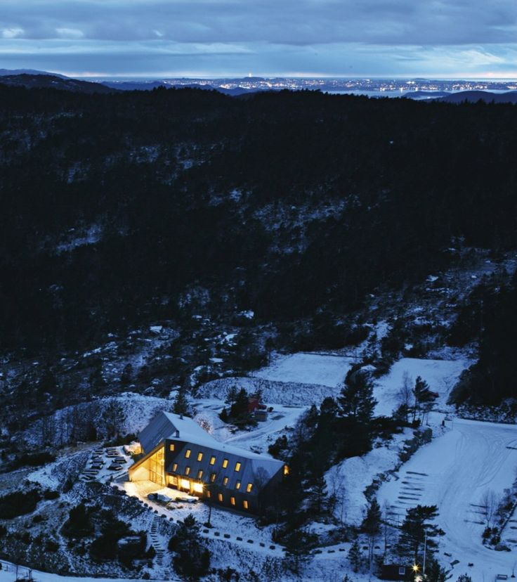 Pulpit Rock Mountain Lodge/ Helen and Hard