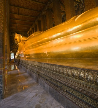 Bangkok Temple Tour (Private Tour for 3 Person) Top 3 Famous: Wat Traimit, Wat Pho, Marble Temple    -Visit to Wat Traimitr  - Wat Pho (Temple  of the Reclining Buddha)  -Wat Benchamabophit: (Marble Temple)