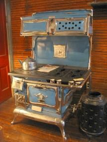 we visited house in the country in KY in summers. They had a stove like this. Still made own butter and ice cream. vintage Alcazar gas-wood stove I cooked on one very much like this one only it was colbalt blue