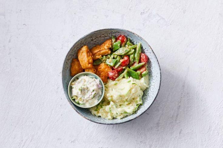 Aardappelpuree met bieslook, snijbonen, kibbeling en ravigottesaus - Recept - Allerhande