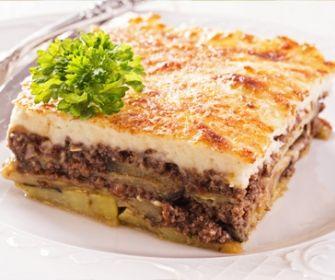 Pastel de patatas con carne al horno