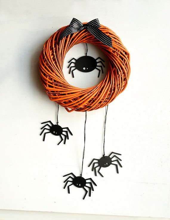 Halloween wreath with scary spiders - fall wreaths for door - Black orange home door decor  - Autumn october  gift wooden party decorations