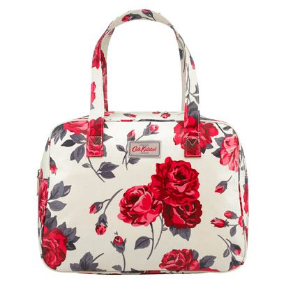 Ardingly Rose Large Boxy Bag | Add a touch of vintage-inspired design to your look with our large boxy bag. In Ardingly Rose print oilcloth, it's durable and wipeable, with a classic 60s shape, helped by a base board. Have a look at our mini version too! | Cath Kidston |