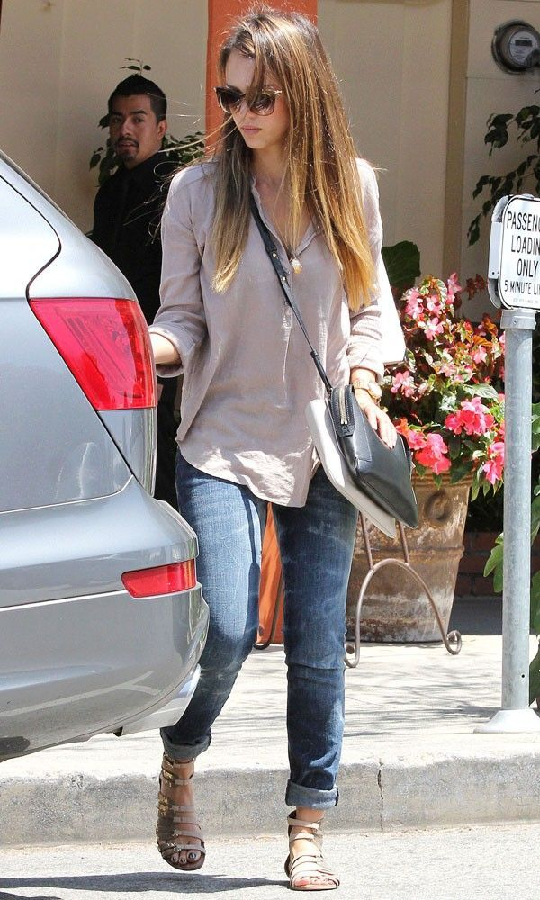 Jessica Alba Great casual style laid back but very fashionable