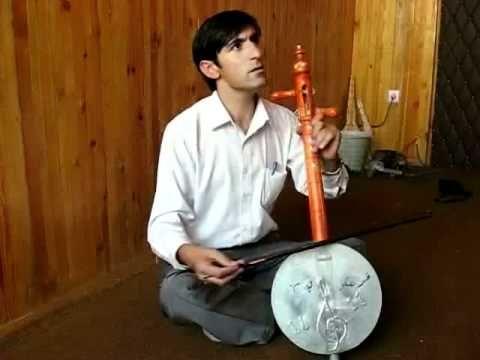 Ghichak  غيچک  Us. Mohammed Murad, Ghichak Teacher and Head of the Departement of Afghan Music at Afghanistan National Institute of Music, demonstrates the ghichak.