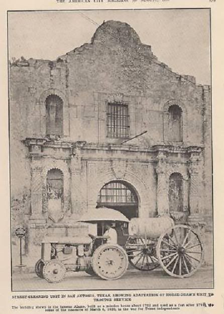 Street cleaning in front of the Alamo, 1926.  Recuerden El Alamo!  http://www.pinterest.com/pin/560416747351183349/