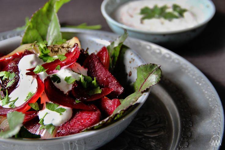 V kuchyni vždy otevřeno ...: Salát z pečené červené řepy a cibule