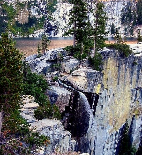 Grizzly Lake and Falls, Trinity Alps //Summited the highest peak in the Trinity  Alps//
