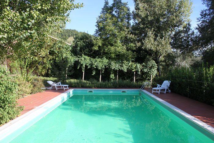 Swimming pool in a sunny Summer day - Locanda della Valle Nuova - Urbino - Le Marche - Italy   www.vallenuova.it