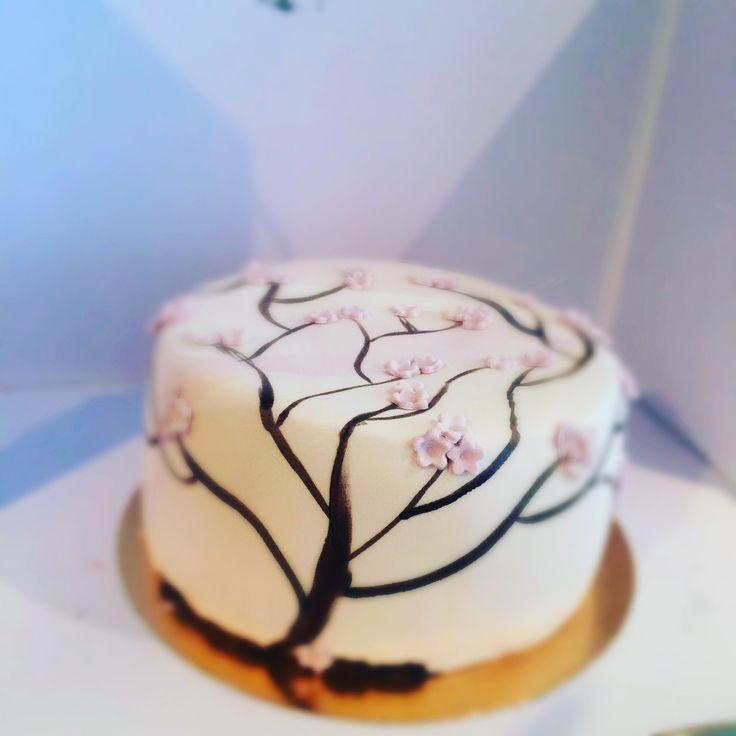 #sharonstaartenfeesies #franeker  #fondantart #fondantcake #fondant #cake #caketopper #cakedecorating #taartdecoratie #friesland #cupcakes #cakesmash #smashcake #fototaart #photocake #smaaktnaarmeer #smaken #verjaardag #verjaardagstaart #fondant #fondantcake #fondantart #lekkeretaart #lekkeretaarten #mjamtaart #friesland
