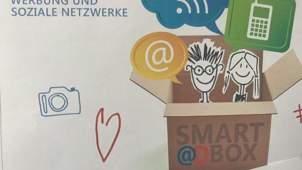 Wenn Ihr das Bild anklickt werdet Ihr zu unserem Video weitergeleitet, in dem die Smart@dBox Euch vorgestellt wird. Viel Spaß beim Ansehen!