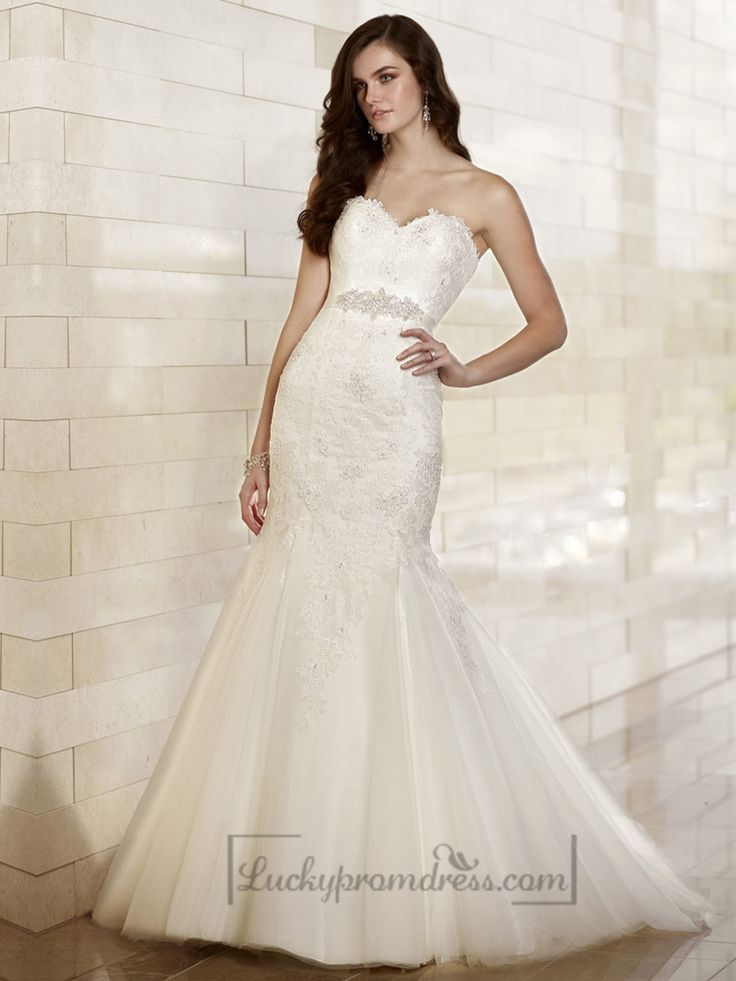 Fit and Flare Sweetheart Lace Appliques Wedding Dresses