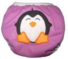 Zwemluier van het merk Monkey Doodlez. Kleur is paars met een schattige #pinguin applicatie.  #baby #zwemluier