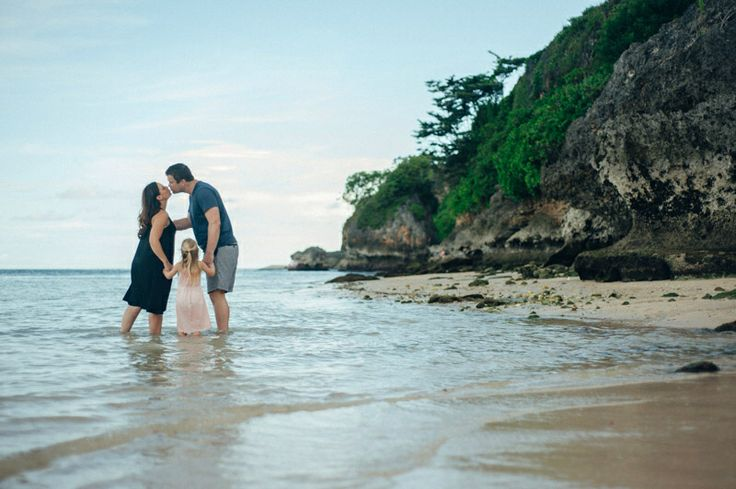 Scout the calm beautiful beach with the Donoghue's // www.evermotionphoto.com #family #familyphotography