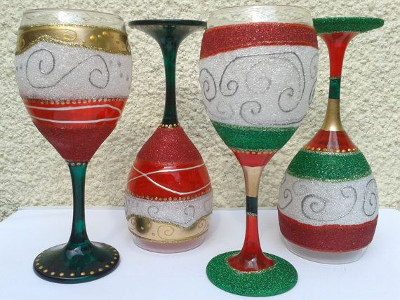 135 best images about suzie 39 s glass designs on pinterest for Holiday wine glass crafts