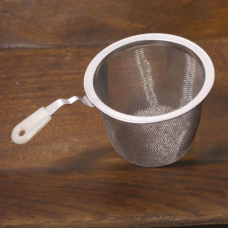 Stainless Steel Mesh Strainer with Handle