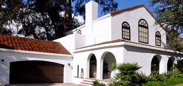 これが未来の家か。Tesla、発電できる「ソーラールーフ」を発表 3