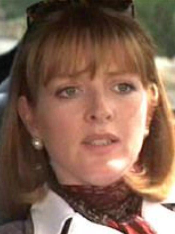 Serena Gordon (Caroline)