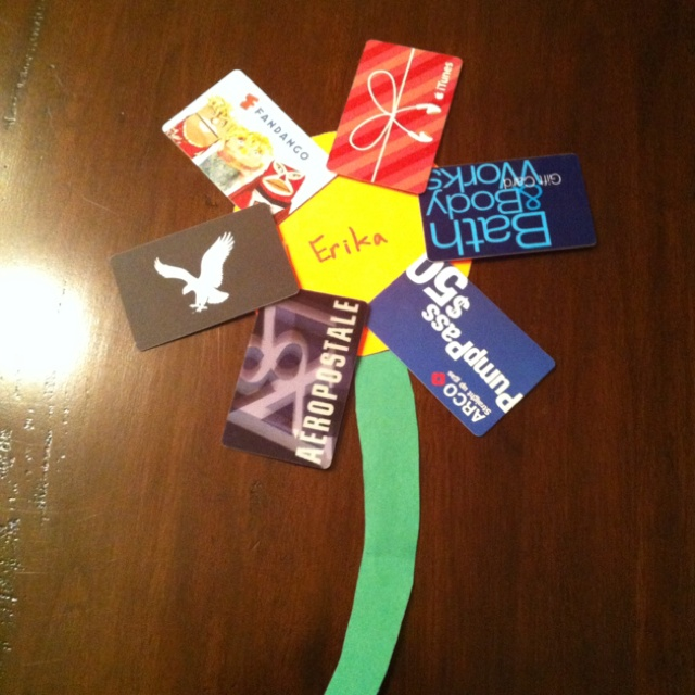 Cute Idea For Birthdays A Gift Card Flower And Her Brother Dad Did It So