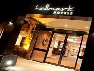 Hull Hallmark Hotel Hull United Kingdom, Europe Ideally located in the prime touristic area of South Hunsley, Hallmark Hotel Hull promises a relaxing and wonderful visit. The hotel has everything you need for a comfortable stay. Free Wi-Fi in all rooms, 24-hour front desk, facilities for disabled guests, luggage storage, Wi-Fi in public areas are on the list of things guests can enjoy. All rooms are designed and decorated to make guests feel right at home, and some rooms come ...