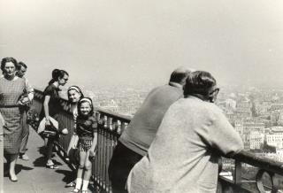 Francia - Parigi - Io e mia sorella Anna sulla Tour Eiffel - luglio 1967