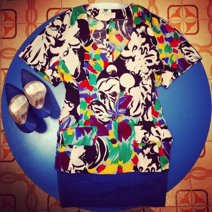 #Giacca colorata #vintage 35 euro, #gonna a vita alta #elasticizzata in #jeans blu 28 euro!