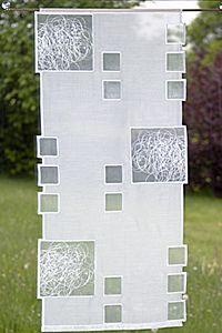 Gardinen Spitze. Moderner Plauener Spitze Flächenvorhang mit Schneeballspitze. Es handelt sich um eine Doppelstoffstickerei. Das bedeutet, es werden zwei Stoffe zum Sticken übereinander gespannt. Nach dem Sticken erfolgt eine Handarbeit.