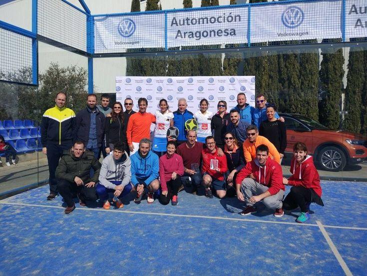 Las #gemelasatomikas @majosalayeto y @MapiSAlayeto han disfrutado de una maravillosa mañana de buen padel con el gran equipo humano de @VW_Sartopina @VW_Automocion  #AequitasAbogados #AequitasIsport  #dreammakersteam