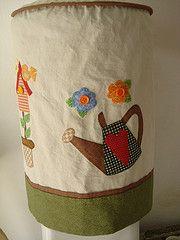 Capa de galo de gua (Ateli Ma do Amor - By Carol Lidman) Tags: passarinho patchwork cozinha galo tecidos colmia guardanapo aplicao batemo
