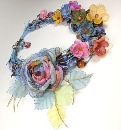 Вальс Весенних Дождей. Колье, серьги, брошь-цветок, цветы из ткани - голубой