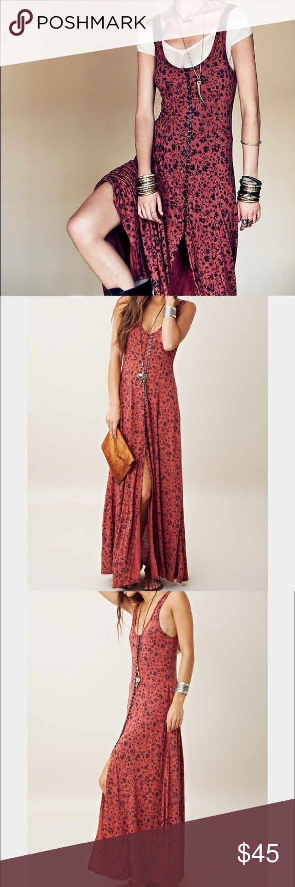 NWT FP FREE PEOPLE GOLD COAST MAXI DRESS XS Floral print creates a subtle neo-grunge look on this Free People dress. The button-down bodice opens to a high front slit. Scoop neckline. Unlined. 85% rayon/15% linen Length: 54in   Free People (FP) NWT Authentic  - No outlet or damaged items!   If you are buying multiple items please make sure you bundle *BEFORE* or shipping is per listing. Price is  as listed.  No trades please.  I am not a retailer and I do not have other sizes.  Just a former…