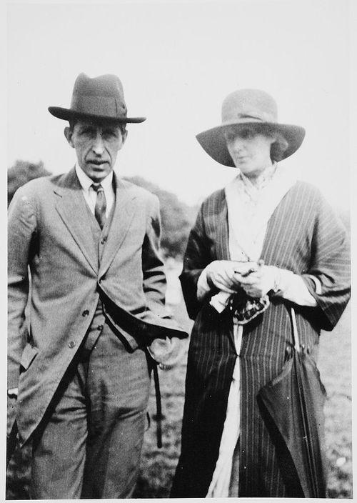 Leonard and Virginia Woolf in Hyde Park, 1925.
