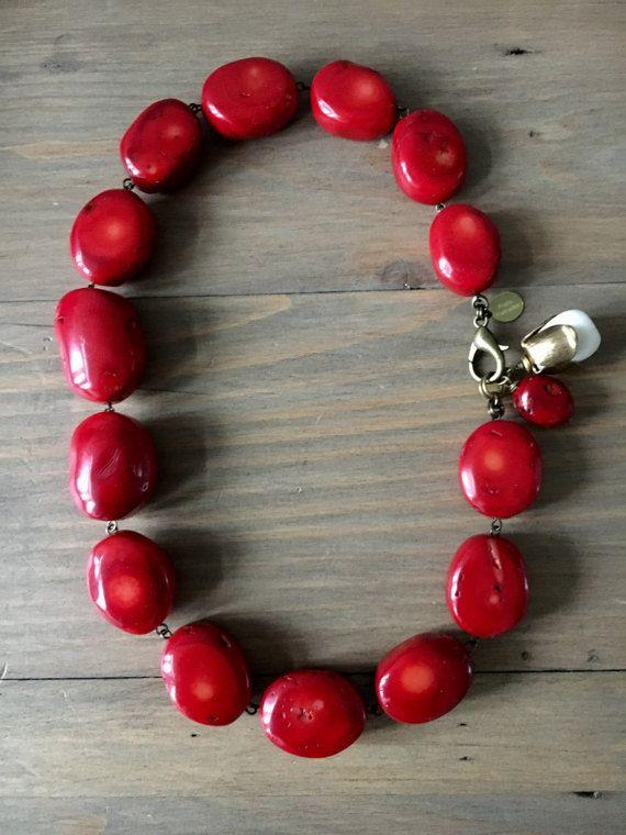Dark red coral chunky irregular round beads by RafaPeinador