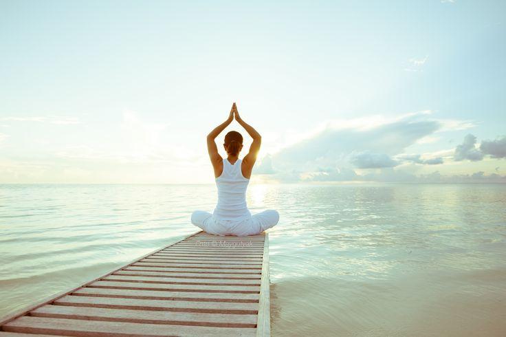 Yoga Übungen für Anfänger zu Hause mit Bilder und Video
