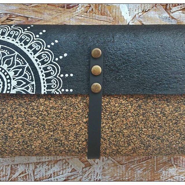 Mandala Black & White Cork Wallet and Tobacco Holder ~Facebook page: https://www.facebook.com/ethnica.dl/ ~Favorite my Etsy shop: https://www.etsy.com/il-en/shop/EthnicaDesigns ~ Follow me on Pinterest: https://www.pinterest.com/diklal/