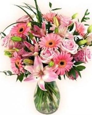 Buchet flori roz - trandafiri, crini, gerbera