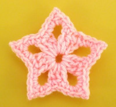 Crochet star-real easy and fast. I love these stars. Use shimmer yarn if you want the stars to sparkle :) -CC