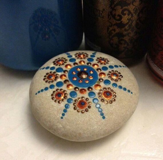 Artículos similares a Piedra de Mandala en Etsy