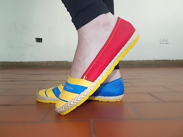 Si el amarillo, azul y rojo son tu estilo.
