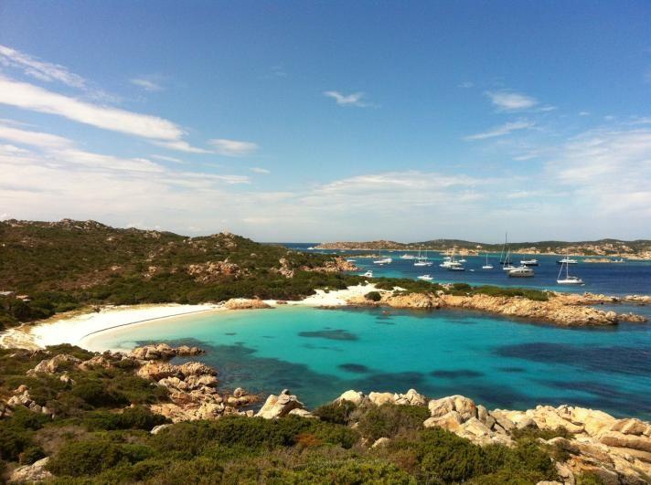 Destinatii hot | A venit vacanta de vara! Haideti la plaja in Sardinia!