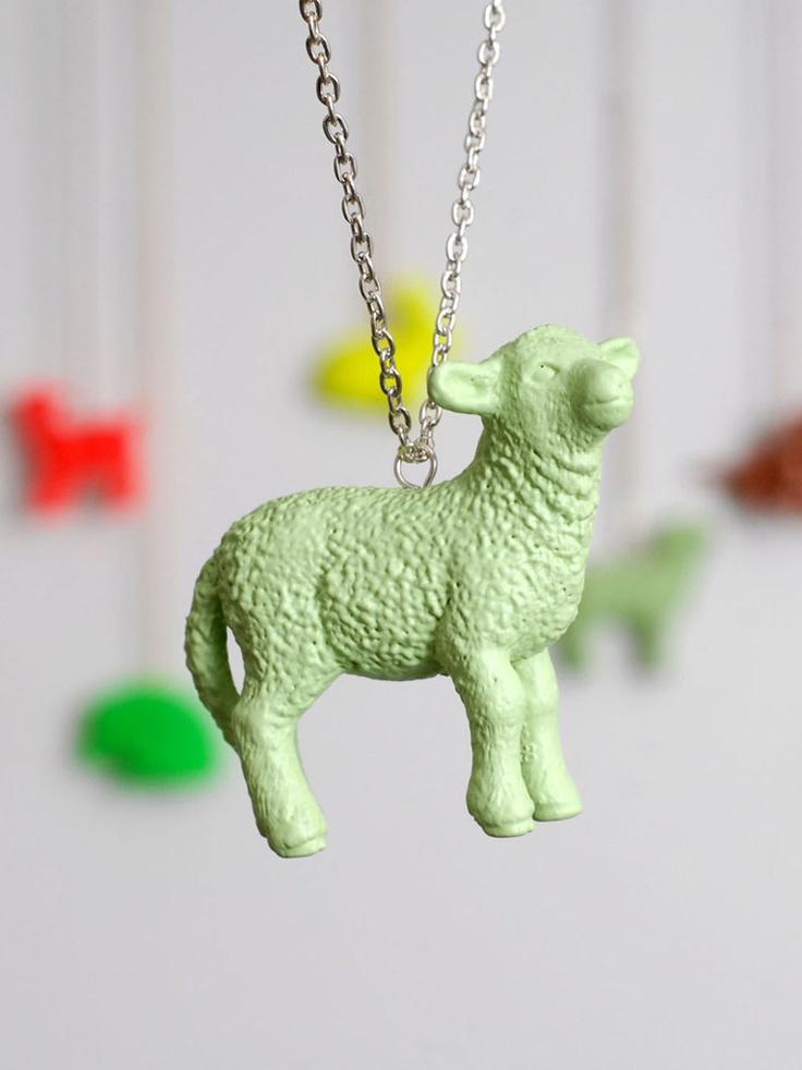 cool DIY idea: Schleich animals as necklace