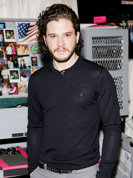 Star Tracks: Friday, January 31, 2014 | CLOTHES-MINDED | Game of Thrones hunk Kit Harington flaunts his fit frame in a fitted swear Thursday while promoting new film Pompeii on Univision morning show Despierta América in Miami.