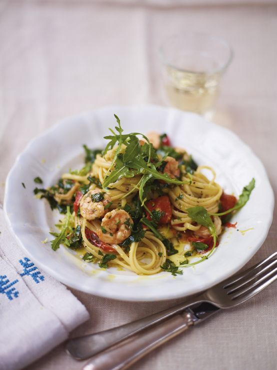 Jamie's Sizzlin' Hot Prawn and Spinach Linguine. This sexy pasta dish is foolproof and best of all, you can do all the prep in advance so you're not running around at the last minute – there's nothing less romantic than a flustered mess in the kitchen.  http://www2.woolworthsonline.com.au/Shop/RecipeCategory/234#url=/Shop/Recipe/2039%3Fname%3Dsizzlin-hot-prawn-and-spinach-linguine  #Woolworths #JamieOliver #recipe