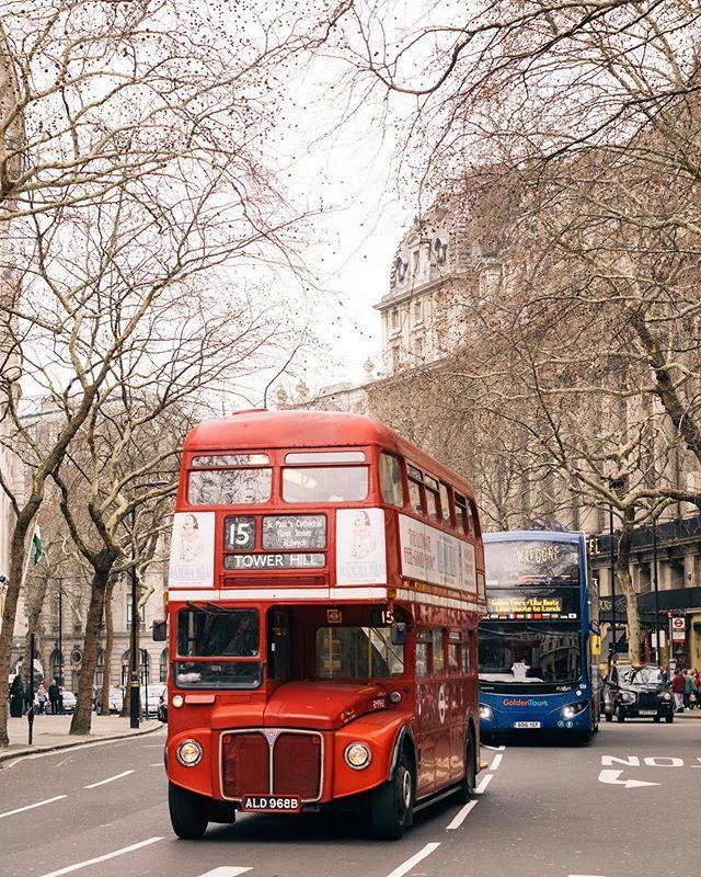 古いダブルデッカー 絵文字でダブルデッカーあれば良いのになぁと思ってしまう ロンドン イギリス London Instagram