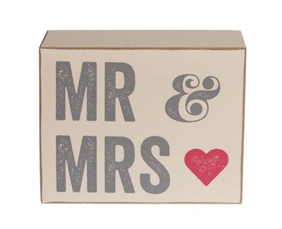 This beautiful Mr & Mrs Block made from wood has a lovely red love heart detail which contrasts perfectly with the grey print. Makes a great Top Table centre piece.