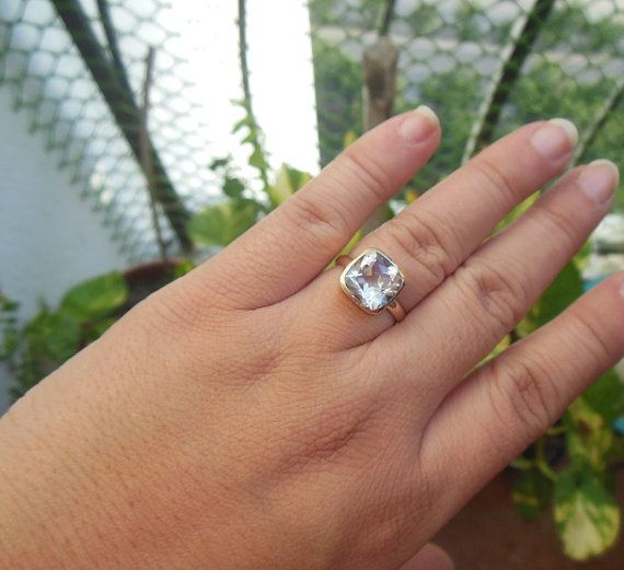 Hey, I found this really awesome Etsy listing at https://www.etsy.com/listing/249678340/18k-gold-engagement-ring-natural-crystal