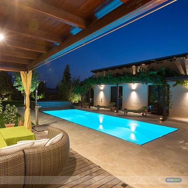 Just a perfect pool... :-) #lifestyle #design #health #summer #relaxation #architecture #pooldesign #gardendesign #pool #swimmingpool #pools #swimmingpools  #niveko #nivekopools