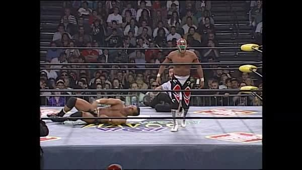Just a quick reminder of what CRUISERWEIGHTS are capable of... courtesy of Dean Malenko and Rey Mysterio!